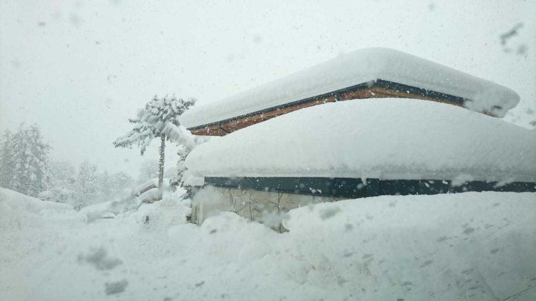 Austrija je zametena: Nema struje, lavine sve više prijete, a najgore dolazi