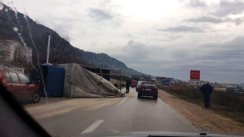 Četvero ozlijeđenih u Ljubuškom, vatrogasci ih izvlačili iz vozila