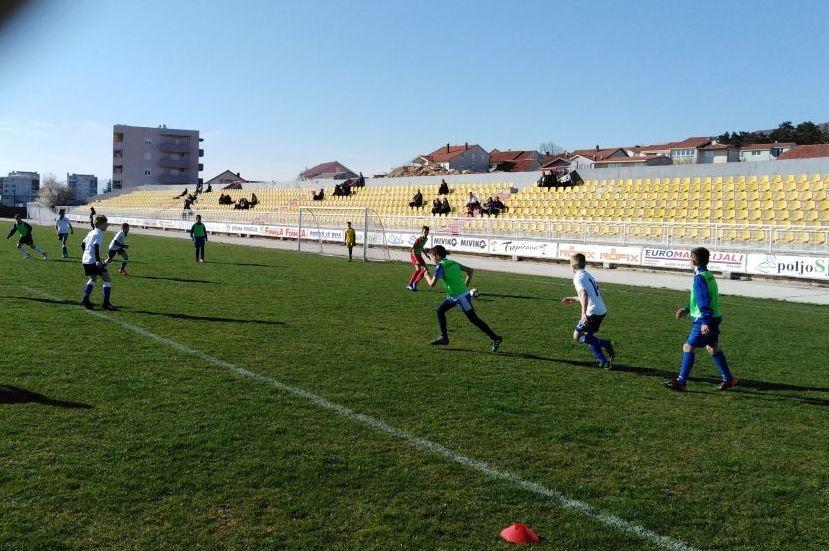 Selekcije dječaka Hercegovine i Dalmacije predvođene splitskim Hajdukom sastale se na Mokrom Docu