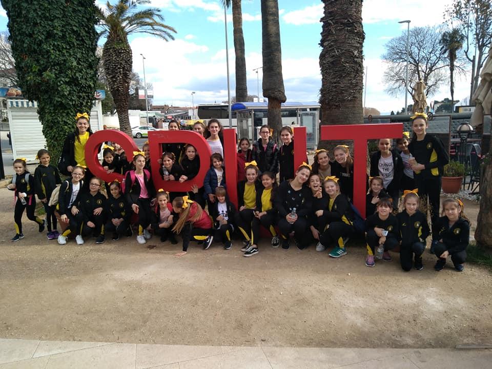 Posuške cheerleadersice na pripremama u Splitu