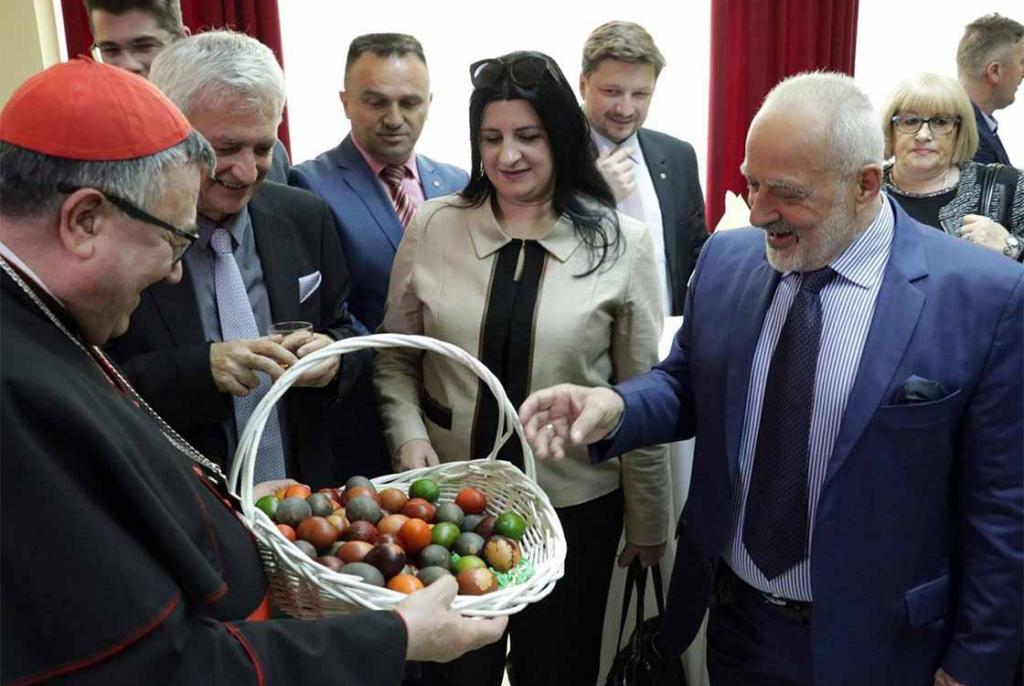 HDZ/HNS dosljedno ignoriraju susrete s Komšićem: Skupa ni kod kardinala