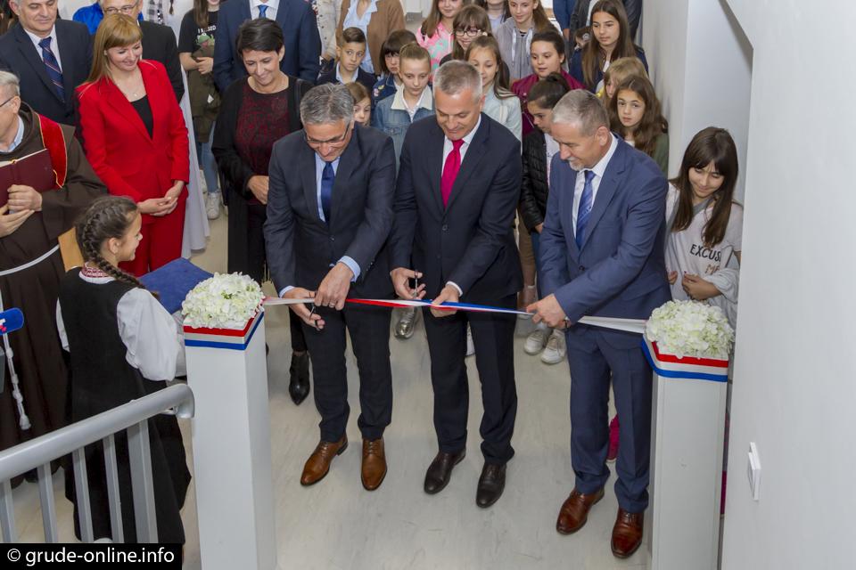 GRUDE: Svečano proslavljen Dan škole i završetak dogradnje OŠ Ruđera Boškovića Grude