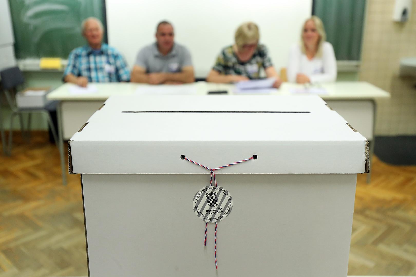DO 11.30 SATI: Veći broj birača nego prije pet godina odazvao se izborima, pojačan odaziv dijaspore