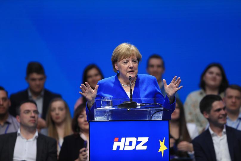 HRVATSKA: Merkel i Weber na predizbirnom skupu HDZ-a