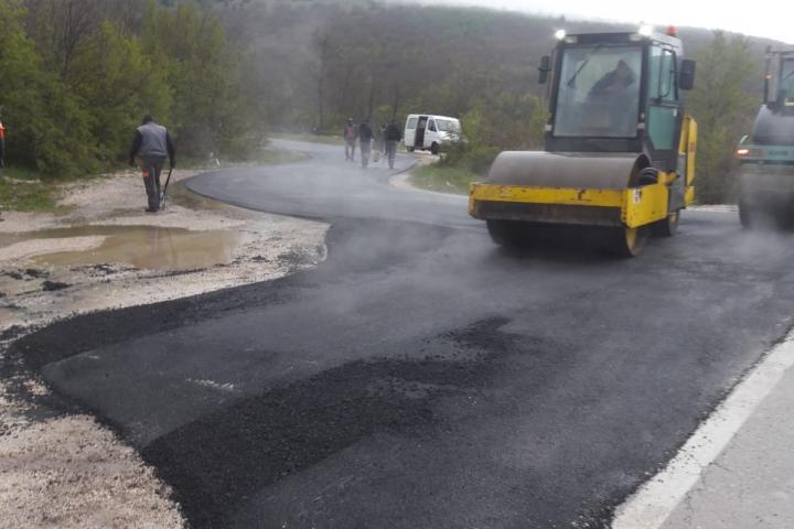 Asfaltiran put prema Vučipolju