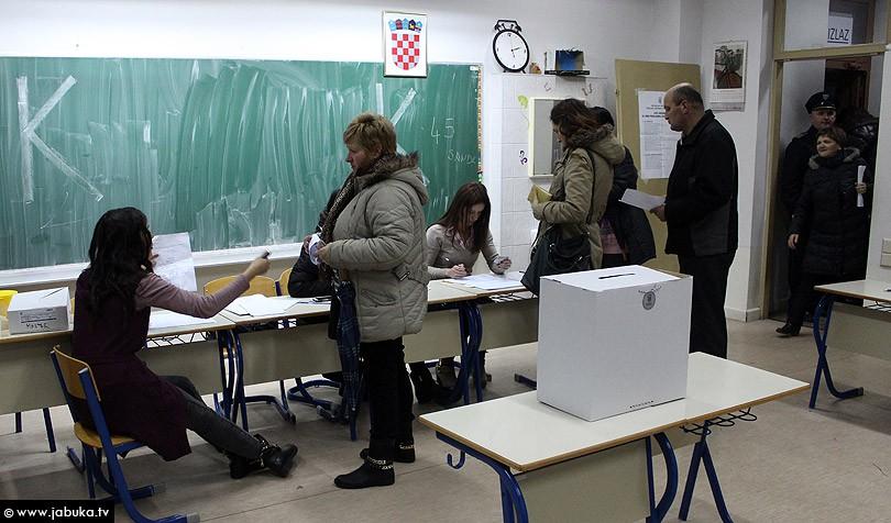 DIP objavio nove podatke: Do 16:30 sati na europske izbore u Hrvatskoj izašlo 21,31 posto birača