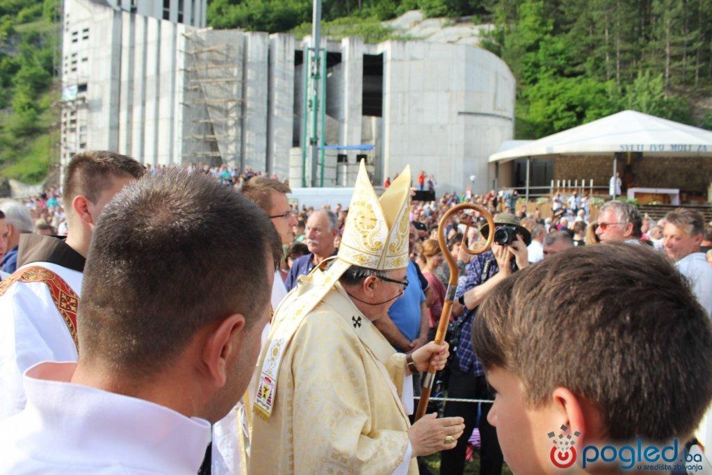 Stotinu tisuća vjernika u Podmilačju: Molitve za zdravlje, mir i ljubav