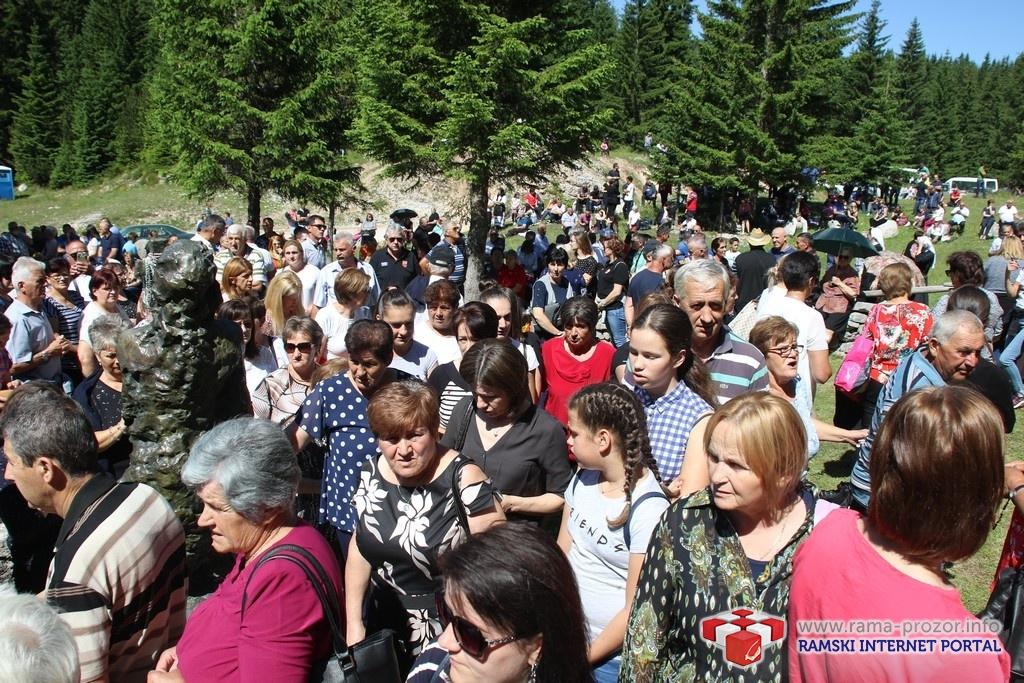 Tisuće vjernika na Kedžari proslavilo dan Dive Grabovčeve