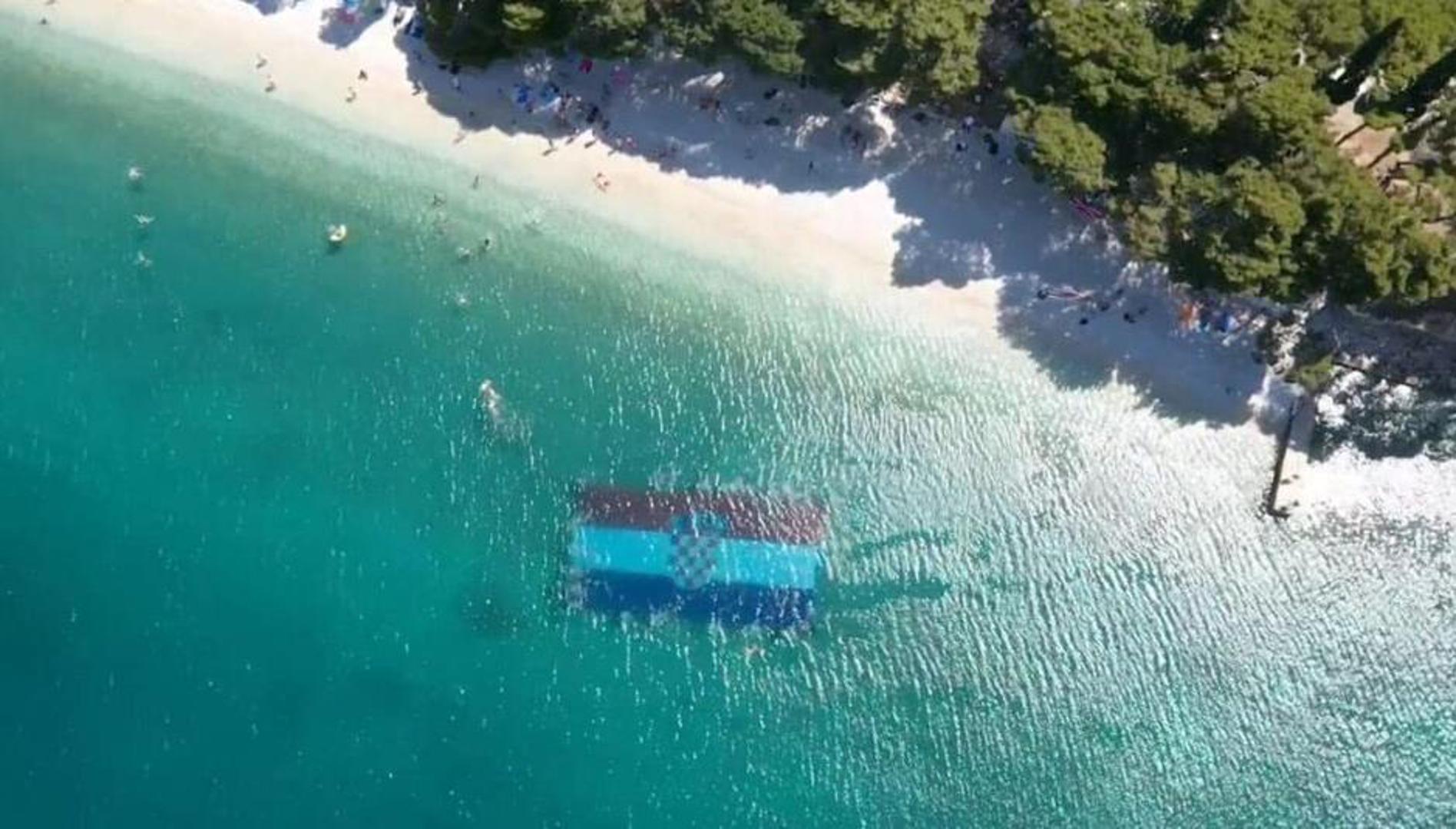 Ronioci iz Mostara i Gradca pod morem razvili najveću zastavu na svijetu
