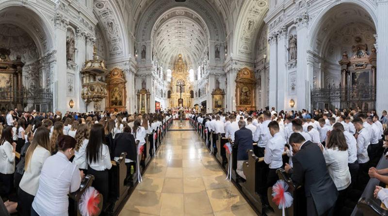 U Münchenu 222 krizmanika i ukupno 3.000 Hrvata na svetoj krizmi