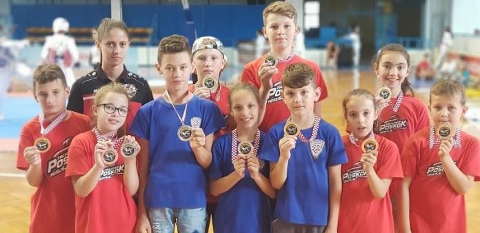 Poskoci iz Posušja i Kočerina uvjerljivi na međunarodnom taekwondo turniru u Zadru za kraj sezone!