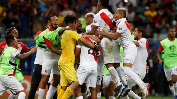Peru svladao Čile za finale protiv Brazila