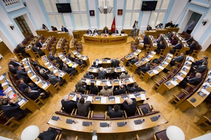 Skupština Crne Gore nije podržala istospolno partnerstvo