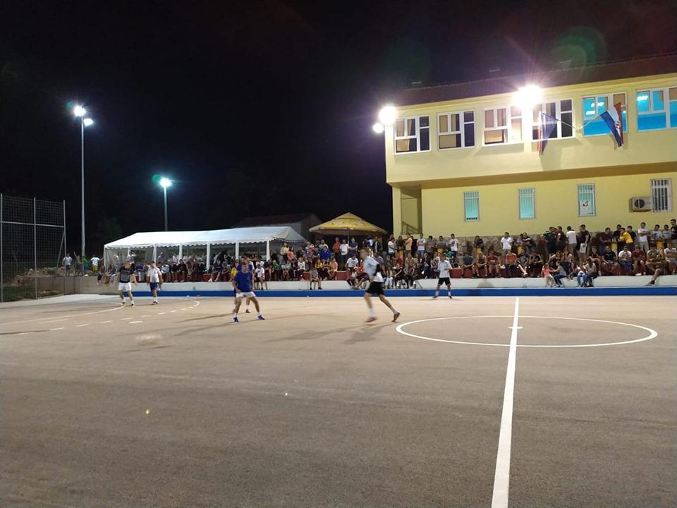 HERCEGOVAČKI VINJANI: Večeras polufinalne utakmice