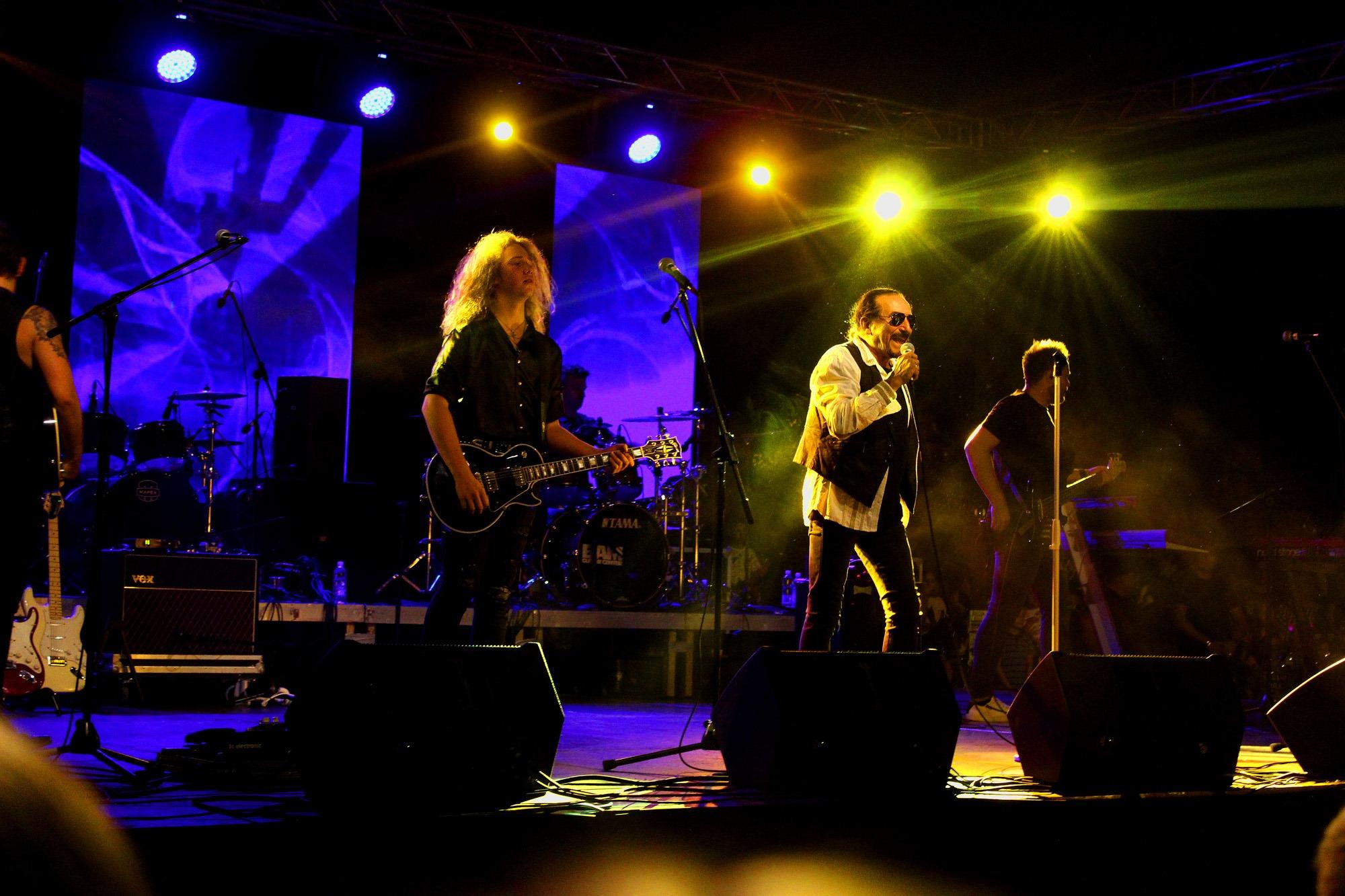 Legendarni Željko Bebek u Posušju održao koncert za pamćenje