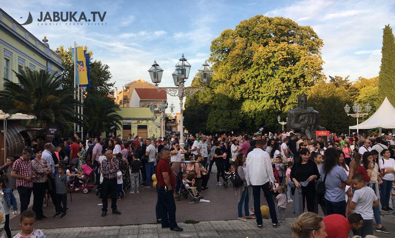 Prvi Uštipak fest u Čapljini okupio više od tisuću posjetitelja