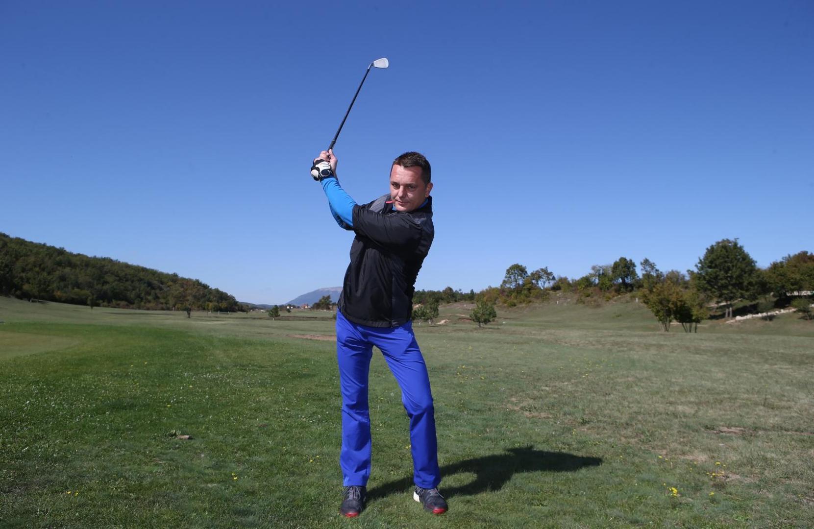 POSUŠJE PRVLAČI TURISTE: Kod nas golf dolaze igrati i Kinezi i to zlatnim palicama