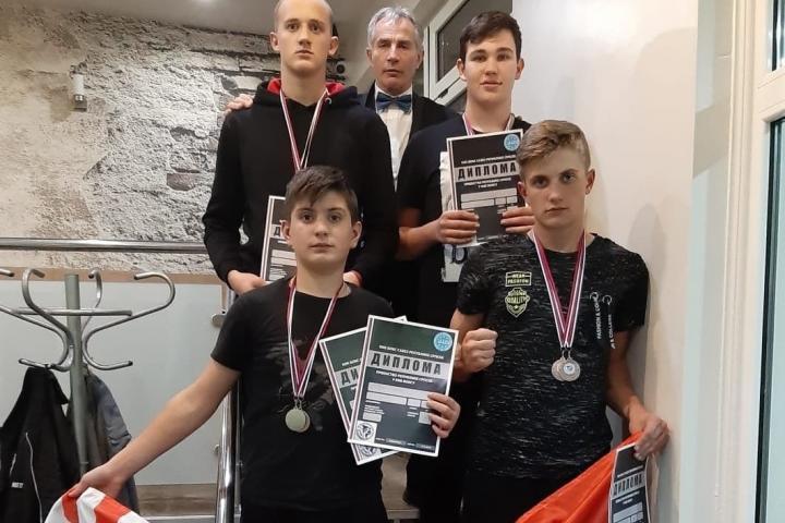 Četiri medalje za posuške kickboksere