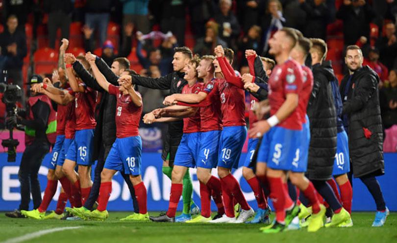 Englezi osramotili Crnogorce, Česi bolji od Kosova, a Turci remijem s Islandom osigurali Euro