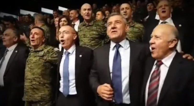 Rojs, Gotovina, Šoljić, Krstičević… zagrljeni pjevali Thompsonov hit