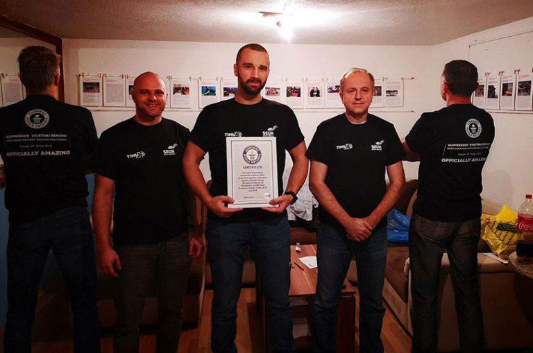Stigao certifikat Guinness-a: Zastava Hrvatske je najveća razvijena pod vodom