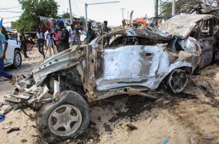 U napadu autobombom u Somaliji poginulo preko 70 ljudi od kojih su većina studenti