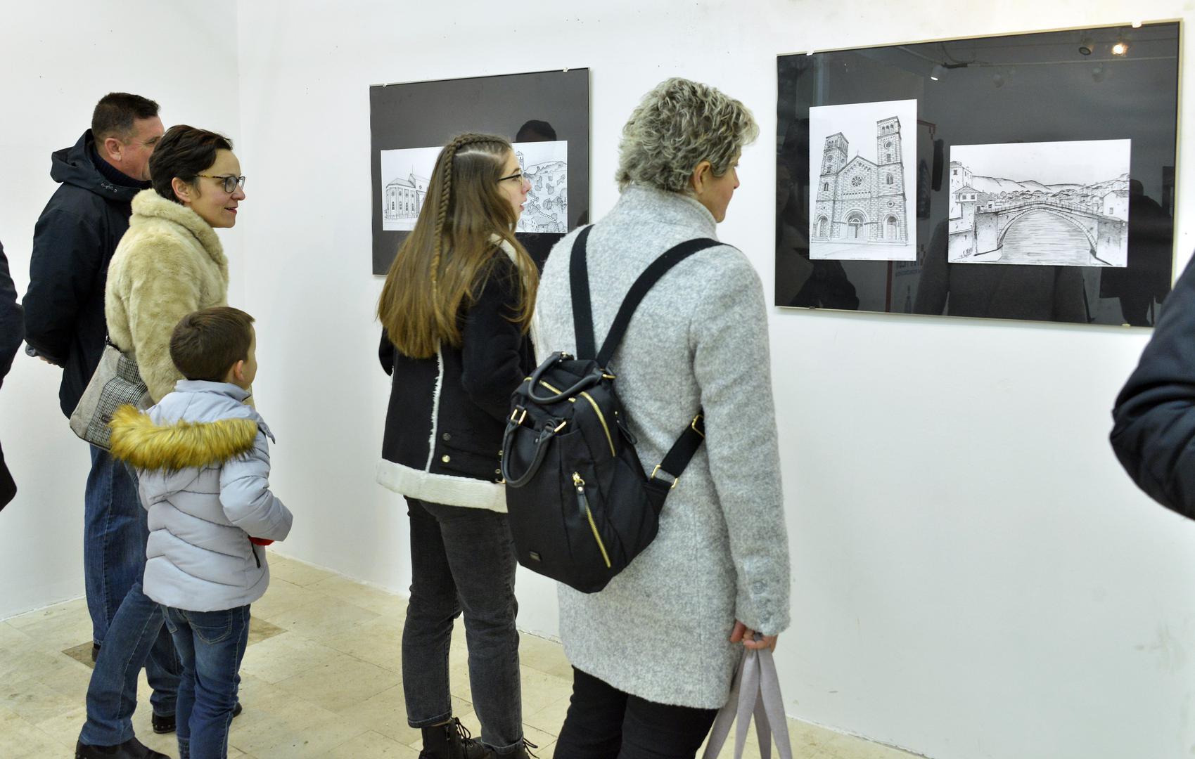 Upriličena izložba radova s Napretkovog tečaja crtanja i dizajna