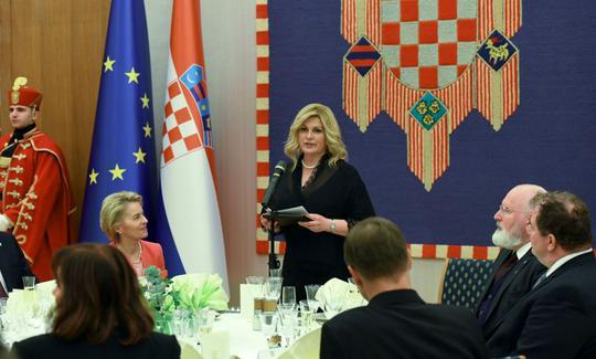 Grabar-Kitarović upriličila svečanu večeru u prigodi predsjedanja RH Vijećem EU