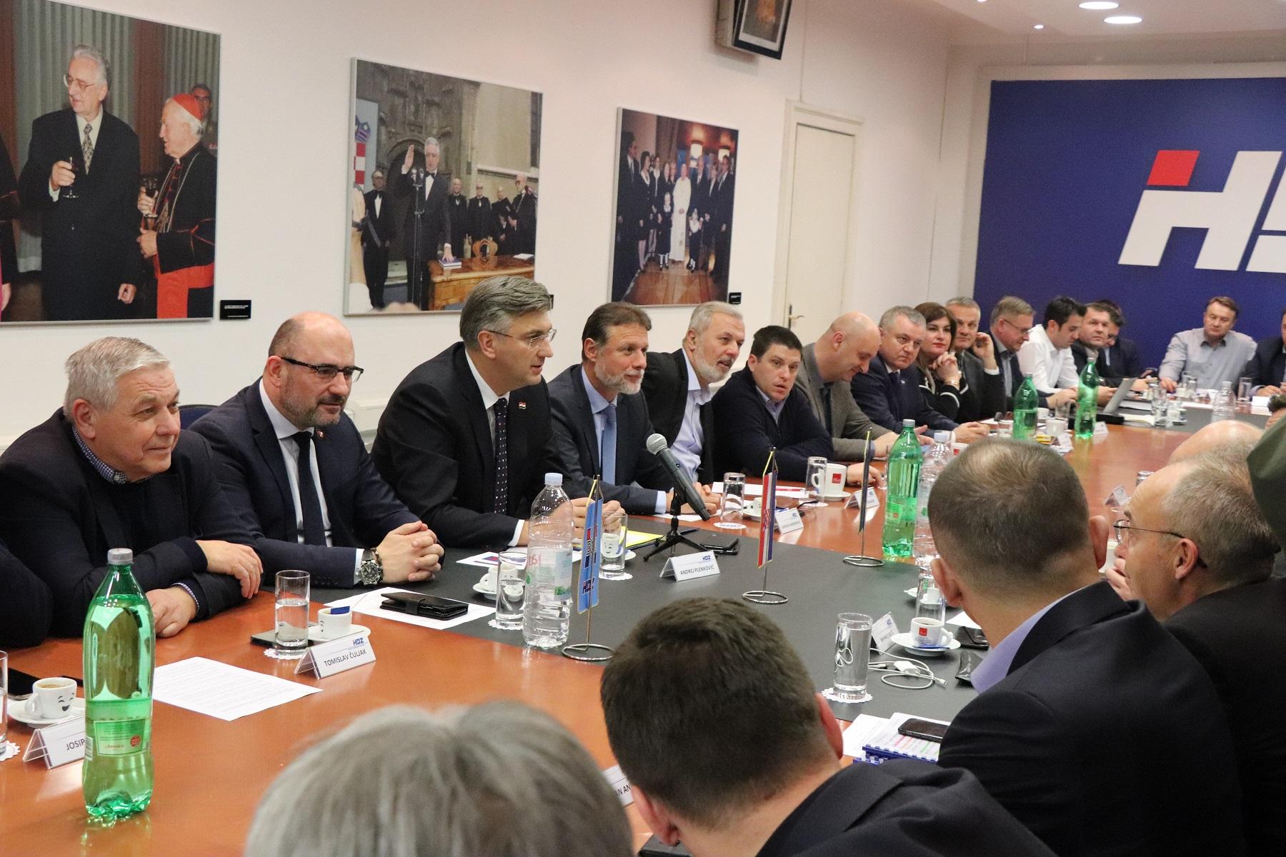 Plenković: Ne osjećam se odgovornim za poraz Grabar-Kitarović