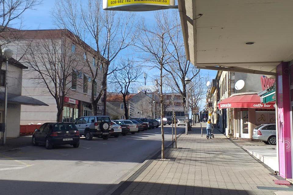Federalni stožer: Otvaraju se trgovine, frizerski i kozmetički saloni i mali obrti; Za vikend policijski sat