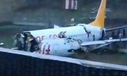 Drama u Istanbulu: Avion prilikom slijetanja izletio s piste i raspao se na dva dijela