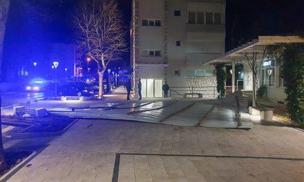 Grude: Vjetar digao krov s Eroneta i napravio štetu u centru