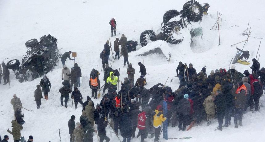 U lavini u Turskoj poginula 33 spasioca