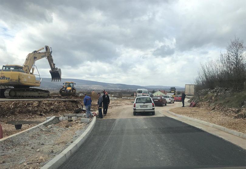 Radovi na kružnom toku u Međinama izazvali gužvu na magistrali Široki Brijeg-Mostar
