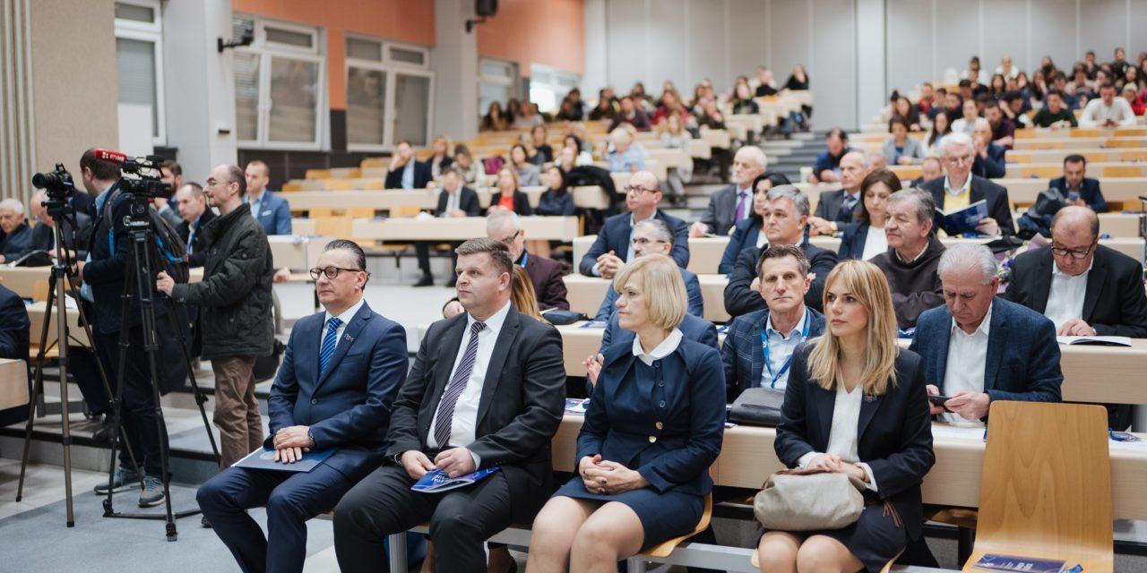 Sveučilištu u Mostaru svečano uručeno Rješenje o institucionalnoj akreditaciji