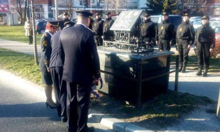 Prije 21. godinu ubijen Jozo Leutar, pripadnici FUP-a položili vijence u vrijeme u stradanja