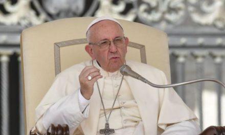 Papa: Zemlju ne smijemo i dalje cijediti poput naranče