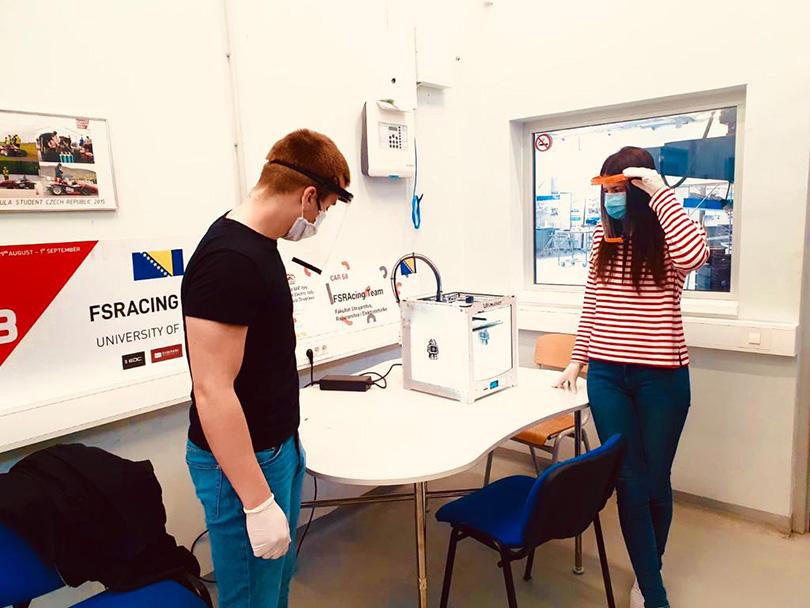 Studenti SUM-a izrađuju zaštitne vizire za medicinsko osoblje, potrebni su dodatni 3D printeri