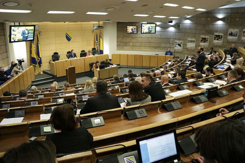 Parlament FBiH: Pojedini zakoni skinuti s dnevnog reda jer nisu bili prevedeni na hrvatski jezik