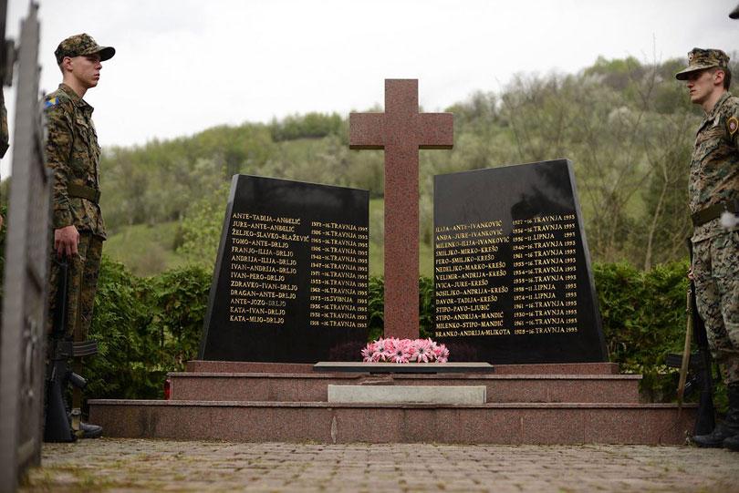 Tužne obljetnice: 27 godina od pokolja u Trusini i Ahmićima