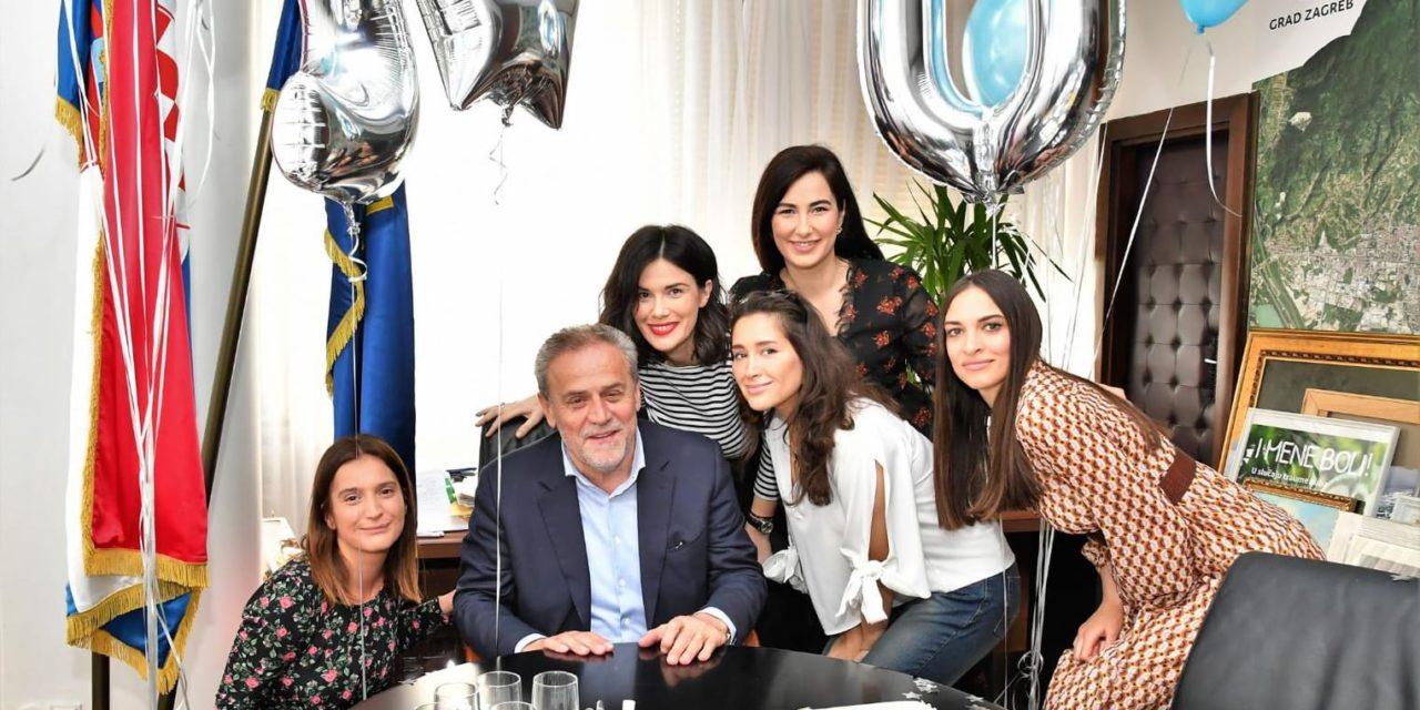 Bandić proslavio 20 godina mandata, zahvalio suradnicima na iznenađenju
