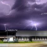 Snažno olujno nevrijeme praćeno grmljavinom i krupom pogodilo Hercegovinu