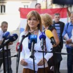 Vidović Krišto je ispred Sabora organizirala presicu. Dovela je poznate antivaksere da pričaju o koroni