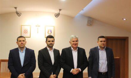 Čović održao sastanak s proširenim Predsjedništvom OO HDZ BiH Posušje