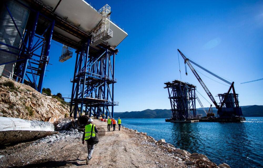 Stupovi se moćno uzdižu: Radovi na Pelješkom mostu napreduju velikom brzinom