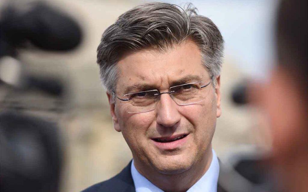 KONFERENCIJA: Plenković u nadahnutom govoru naveo tri prevarantska mandata KOMŠIĆA, a naveo da su promjene moguće samo uz dogovoru tri naroda