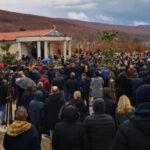 Bol i tuga u Posušju i nebo plače: Stotine građana na sahranama Mirele Rezo i Stjepana Jukića