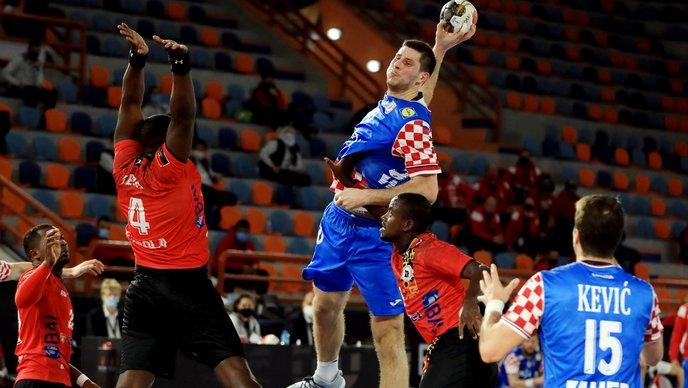 Hrvatska pobijedila Angolu, Pešić igrač utakmice