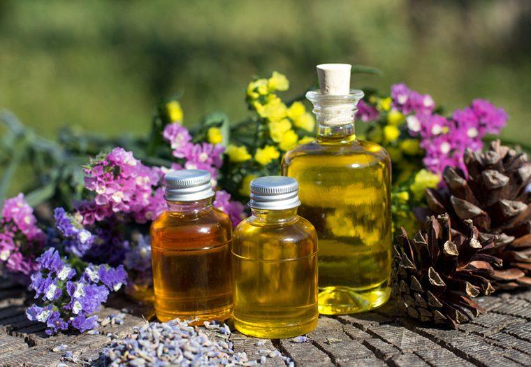 Eterična ulja trenutno su jako popularna – saznajte kako ih sve možete koristiti