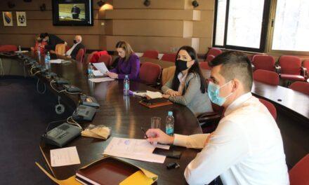 Izaslanici primili k znanju informacije o epidemiološkoj situaciji i Planu cijepljena, usvojen Zakon o jedinstvenom registru taksi i naknada